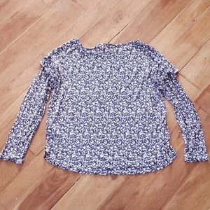 ♻️ 3/$30 H&M Blue White Floral Ruffle Sleeve Top